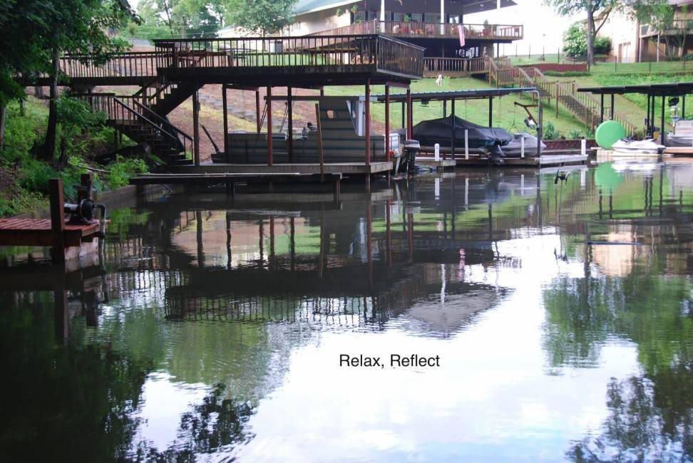 Entire home with pier on Wilson Lake, also kayaks.